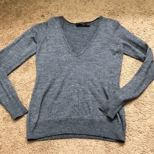 Merino wool vneck sweater size M